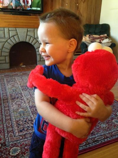 Know Before You Buy Big Hugs Elmo Review Two Blue Pillars